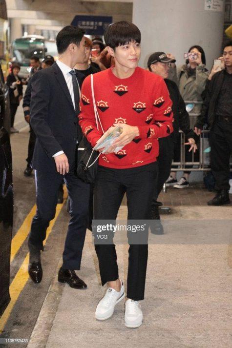Park Bo Gum có mặt tại sân bay Hồng Kong để chuẩn bị cho buổi gặp gỡ fan hâm mộ. Ảnh: Getty Images