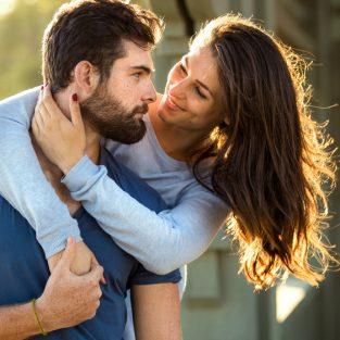 Khoa học chứng minh đàn ông có râu là người bạn trai lý tưởng