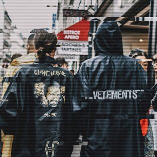 Bước chuyển mình của thời trang đường phố