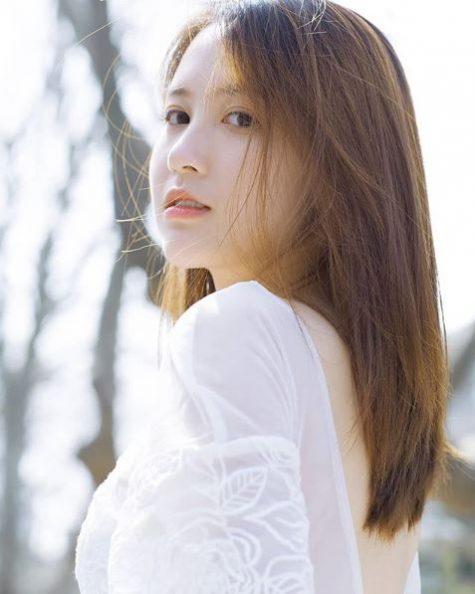 my nu Trung Quoc lai elle man 40