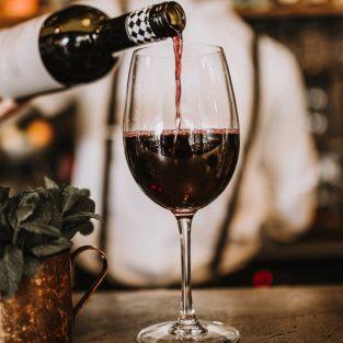 Rượu vang đỏ có thật sự giúp bạn trường thọ?