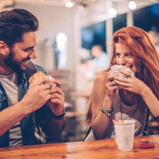 8 điều tệ hại nam giới có thể mắc phải trong buổi hẹn đầu tiên