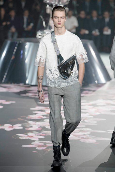 Dòng thời trang nam của Dior cũng đang mang lại những con số khả quan với tài năng của Kim Jones. Ảnh: Esquire Singapore