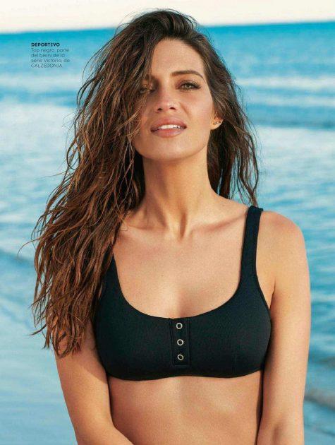 nữ phóng viên thể thao Sara Carbonero mặc bikini