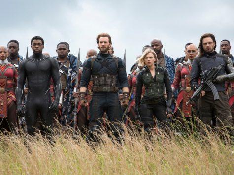 phim điện ảnh-các siêu anh hùng đang đứng