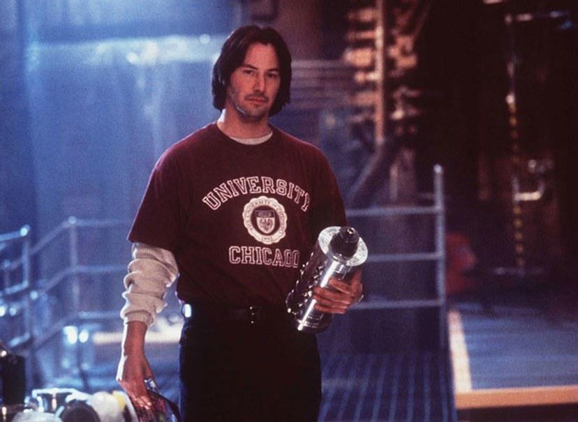 Diễn viên Keanu Reeves-Keanu Reeves tại phim trường Chain Reaction