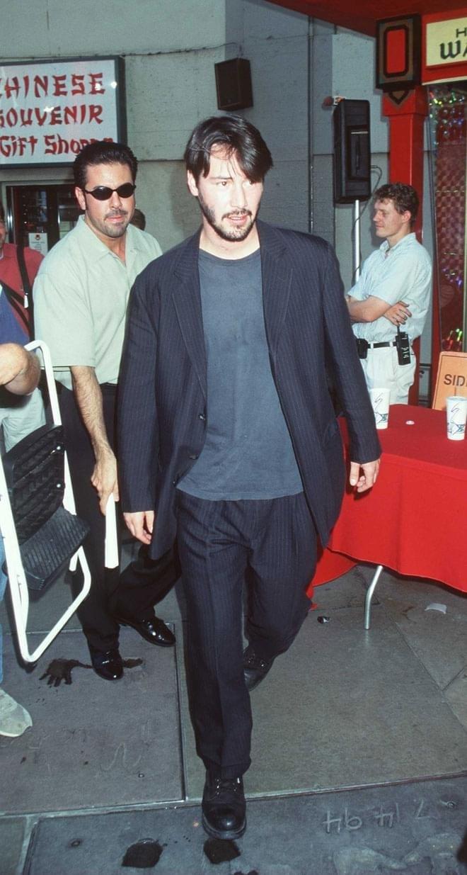 Diễn viên Keanu Reeves tại Hollywood Boulevard năm 1997. Ảnh: Getty Images