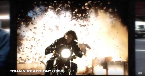 diễn viên Keanu Reeves trong cảnh phim chain reaction