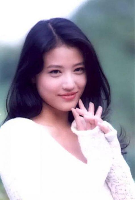 mỹ nhân Hong Kong-Châu Hải My mặc áo trắng