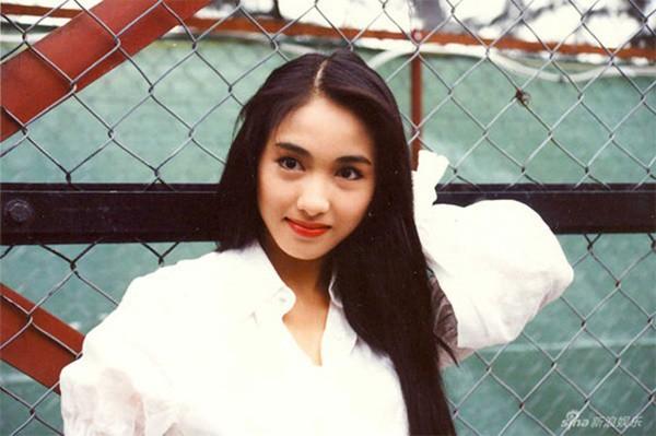 mỹ nhân Hong Kong-Lê Tư mặc áo trắng
