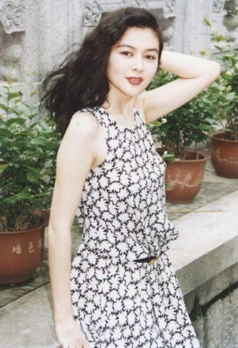 mỹ nhân Hong Kong-Quan Chi Lâm mặc áo hoa