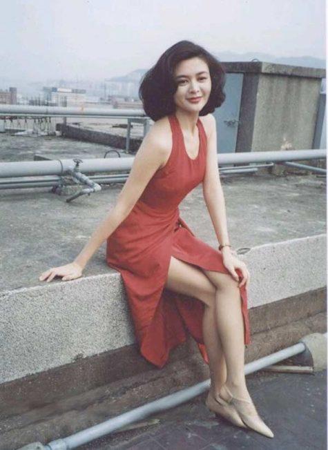 mỹ nhân Hong Kong-Quan Chi Lâm mặc váy đỏ