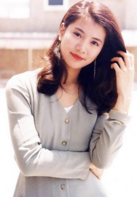 mỹ nhân Hong Kong-Viên Vịnh Nghi mặc áo xám