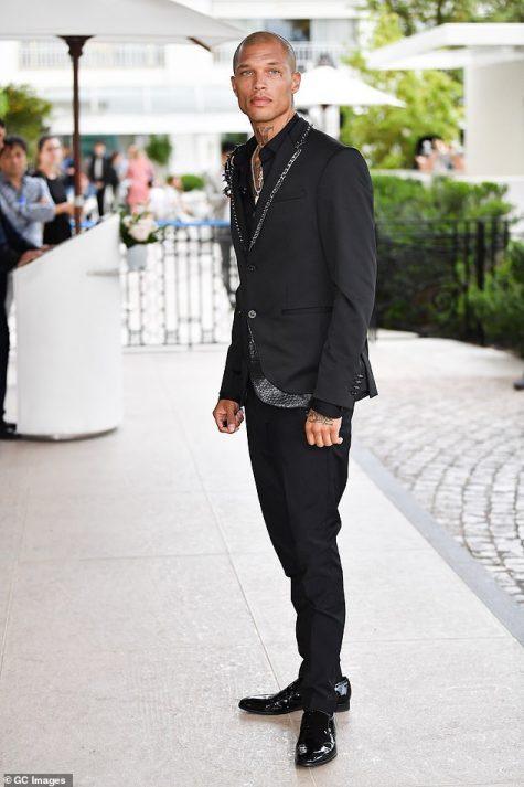 Jeremy Meeks lần đầu góp mặt trong top thời trang sao nam với outfit mạnh mẽ, phá cách. Ảnh: Express Digest