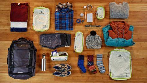 sắp xếp hành lý gồm những món đồ thật sự cần thiết ky đi du lịch