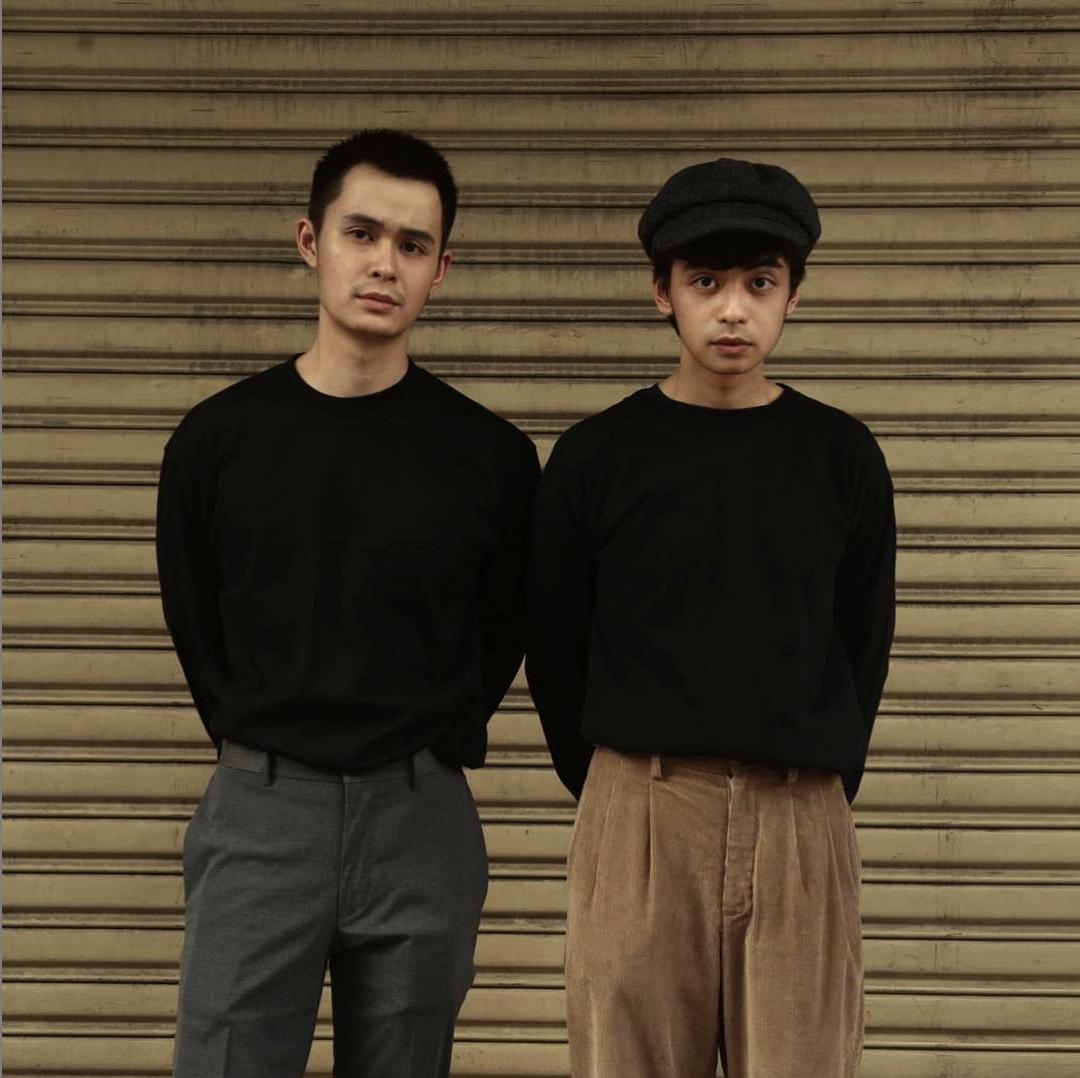 phối đồ minimalism tim phạm và ben phạm mặc đồ đen