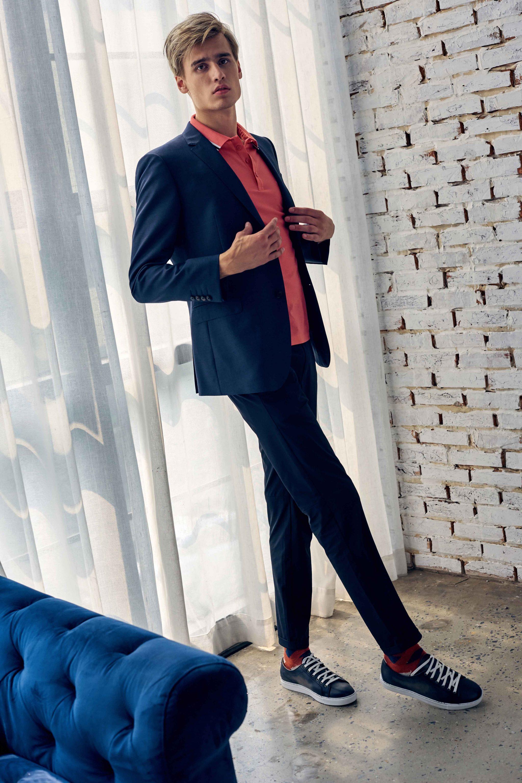 áo polo Gio Bernini (nam mac ao polo hong voi suit xanh navy) - elle man (7)