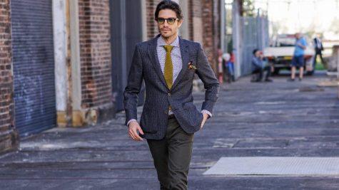 áo blazer nam-quý ông mặc áo blazer xám đậm
