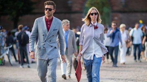 áo blazer nam-quý ông mặc áo blazer xám và quần xám