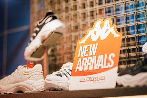 trưng bày BST giày mới tại sự kiện của thương hiệu KAPPA