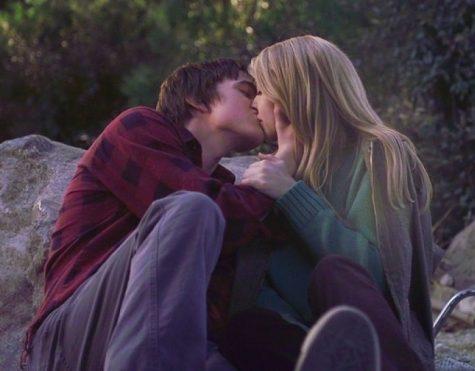 hôn người yêu-cặp đôi hôn nhau trong phim Keith