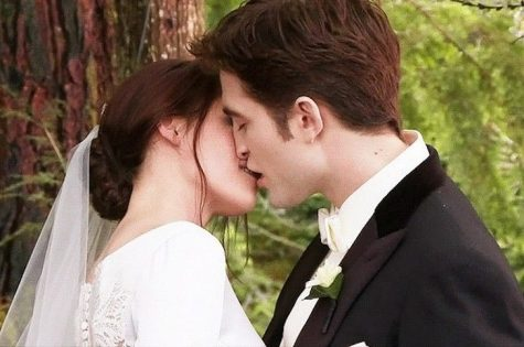 hôn người yêu-cặp đôi hôn nhau trong phim twilight
