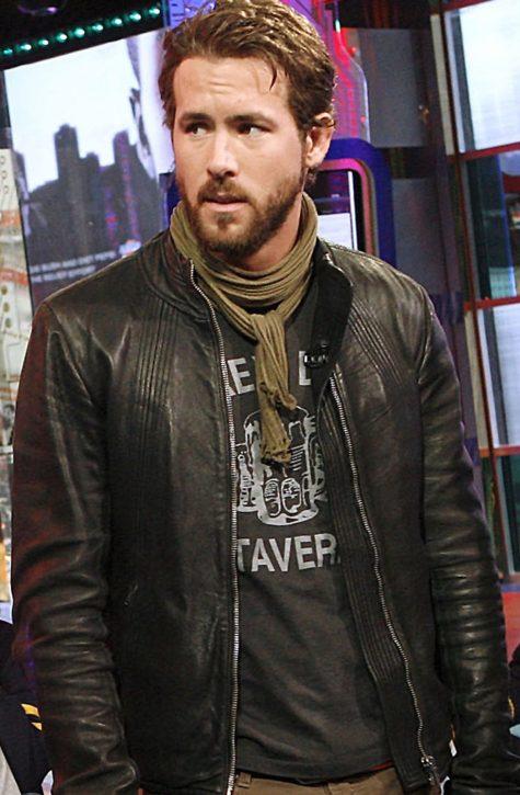 diễn viên ryan reynolds-ryan reynolds mặc áo Zukey Lake Tavern