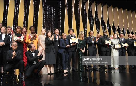 Lễ trao giải LHP Cannes hinh ảnh sân khấu