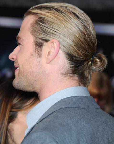 diễn viên chris hemsworth - kiểu tóc man bun