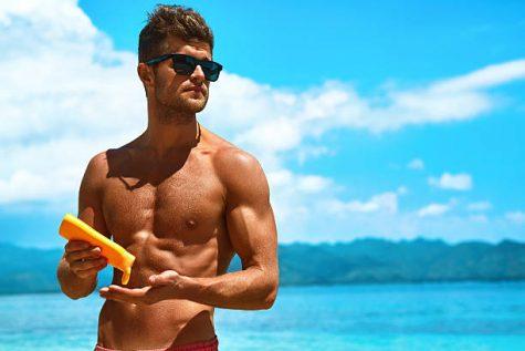 kem chống nắng nam - chàng trai sử dụng kem chống nắng