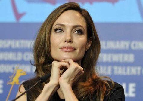 Angelina Jolie - elle man 4