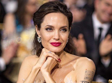 Angelina Jolie - elle man 5