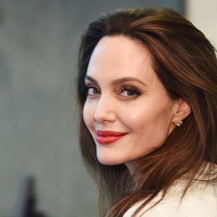 Angelina Jolie – Thông minh, dũng cảm và không sợ hãi
