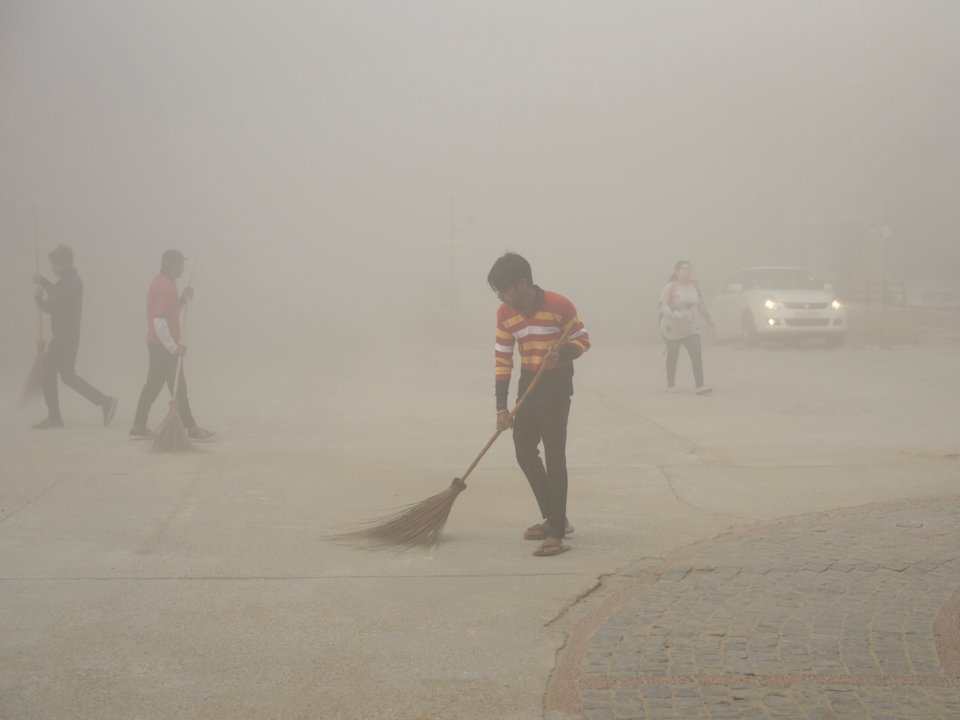 môi trường thế giới - khí thải từ nhà máy và phương tiện giao thông