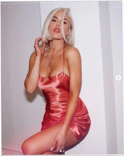 nữ đô vật WWE Lana 4