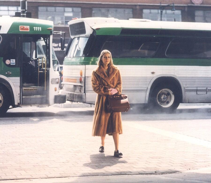 Margot Tenebaum Gwyneth Patrow trong áo lông thú fendi