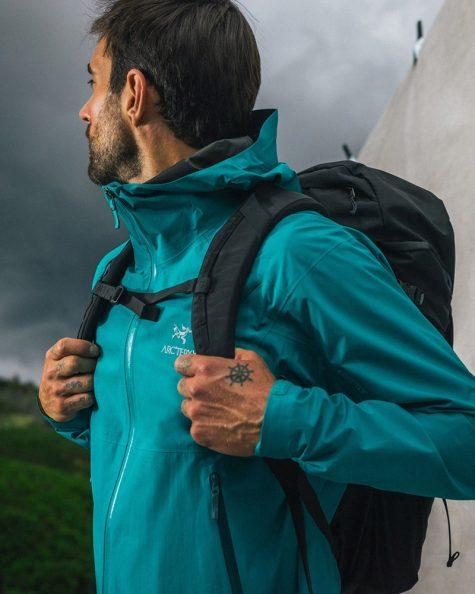 thương hiệu thời trang outdoor techwear arc'teryx