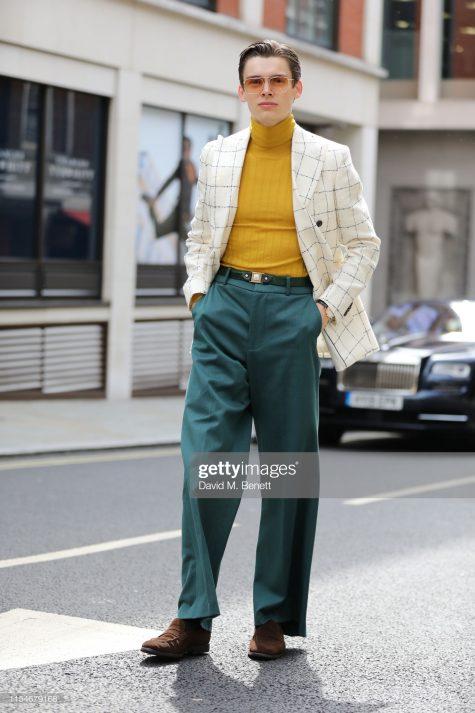 Outfit thời thượng trên đường phố London giúp Mathias Le Fevre nổi bật. Ảnh: Getty Images