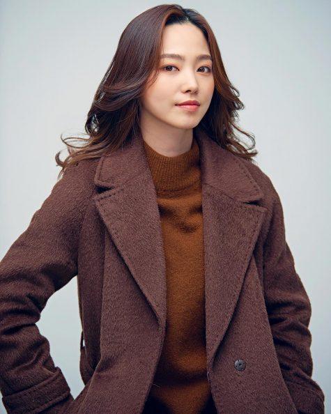 cơ thủ bida-Cha Yu-ram chụp ảnh tạp chí