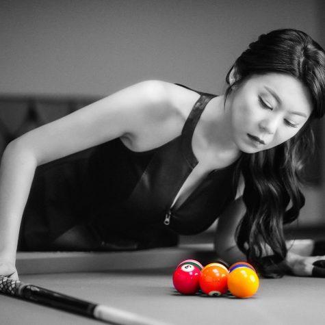cơ thủ bida-Kim Ga Young ảnh đen trắng