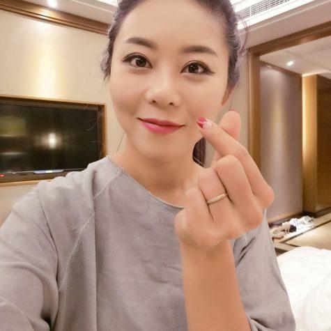 cơ thủ bida-Kim Ga Young bắn tim