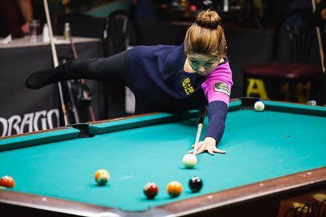cơ thủ bida-Kim Ga Young đang thi đấu