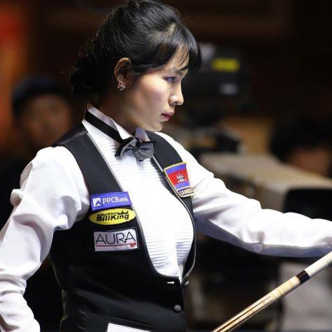 cơ thủ bida-Srong Pheavy thi đấu