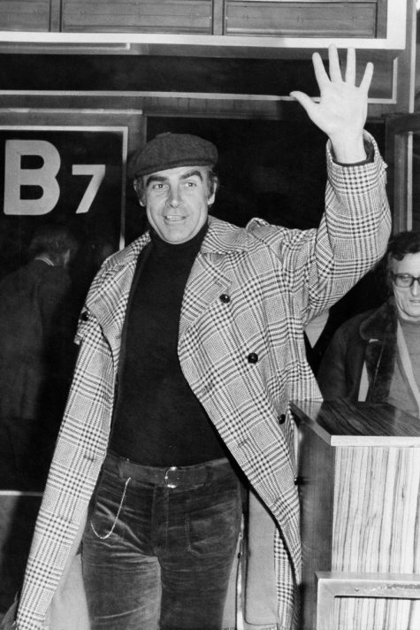 phong cách thời trang sân bay của Sean Connery 1973