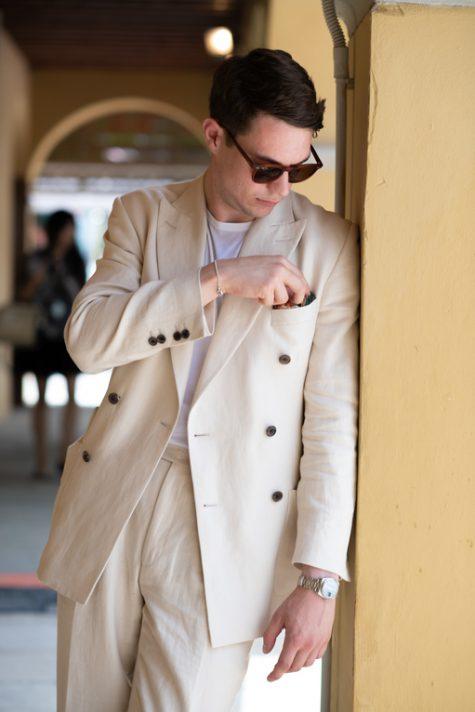 bài học phong cách thời trang tại Pitti Uomo ss20 suit màu beige