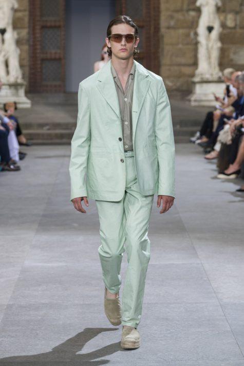bài học phong cách thời trang tại Pitti Uomo ss20 suit màu pastel