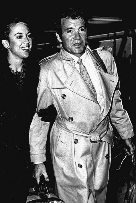 phong cách thời trang sân bay của William Shatner và vợ 1979