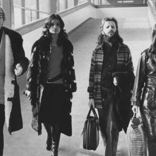 Phong cách thời trang sân bay đỉnh cao của những năm 70
