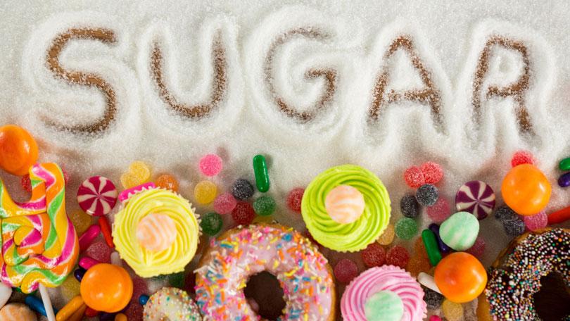 đường - thực phẩm cần tránh để có cơ bụng đẹp