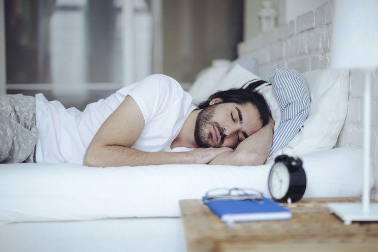 ngủ đủ giấc để có cơ bụng đẹp